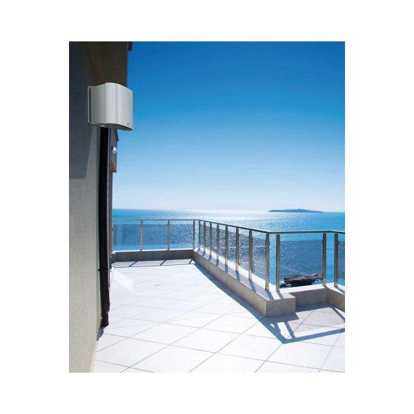 ventura-6-lifestyle-balcony